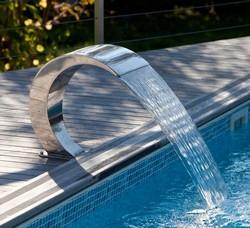 Vandfald til pool