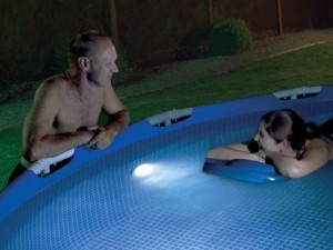 Magnetlys i pool